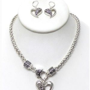 Jewelry - Silver Necklace Set